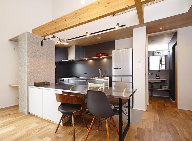 機能性とデザイン性を兼ね備えたキッチン