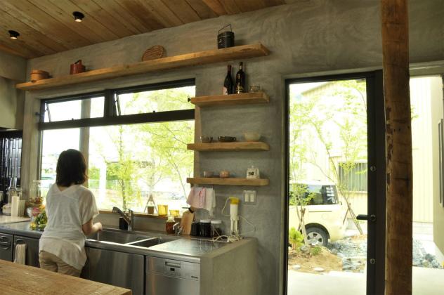 景色を楽しめるキッチン