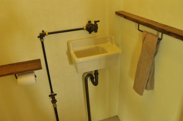 レトロなモチーフが映える手洗い機